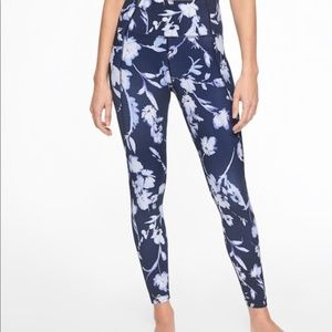 Athleta Water Flower Salutation 7/8 Tight M NWT